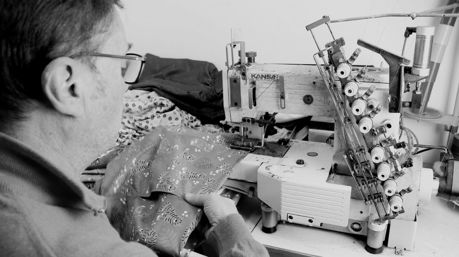 pavit produzione costumi uomo - Home